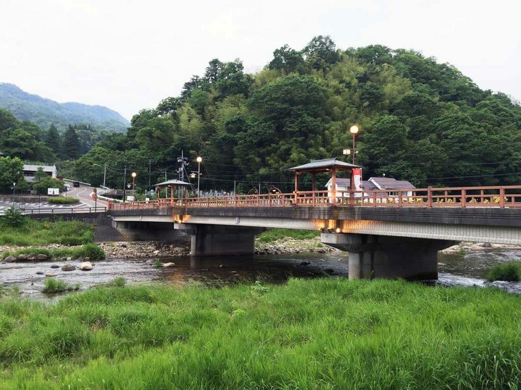 三朝温泉観光名所 恋谷橋