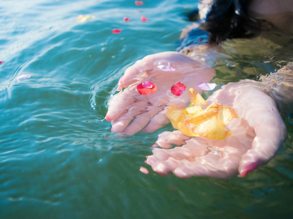 温泉水は生き物、中央温泉研究所の泉質分析について