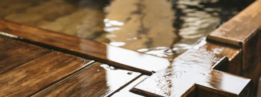 源泉掛け流しにこだわる理由 — 天然温泉の老化現象