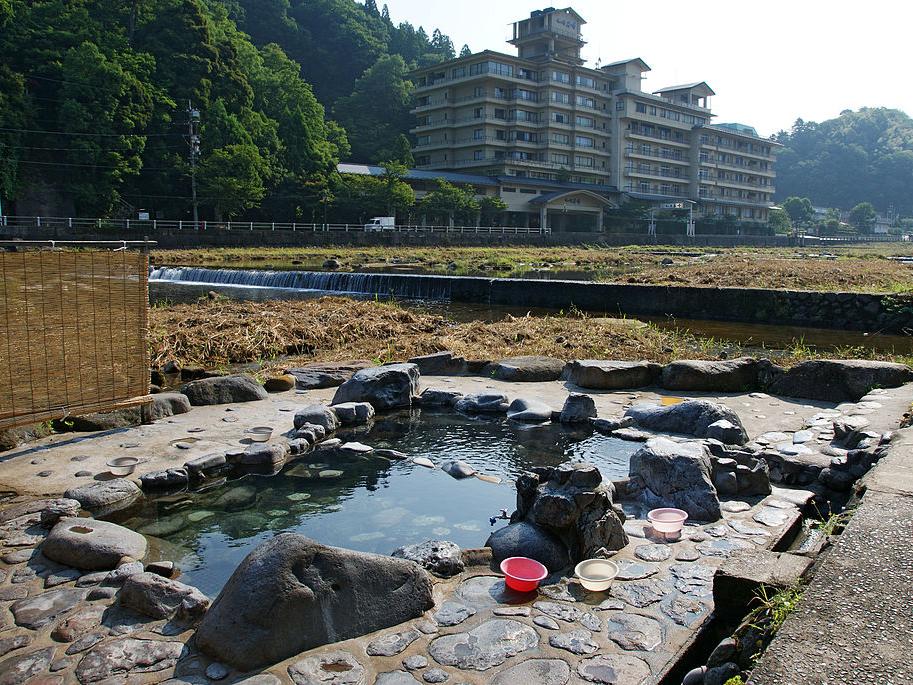 三朝温泉野外公衆浴場